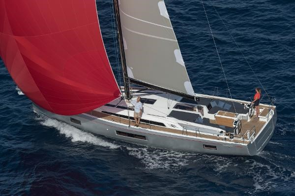 2022 Beneteau Oceanis 51.1 Photo 3 sur 12