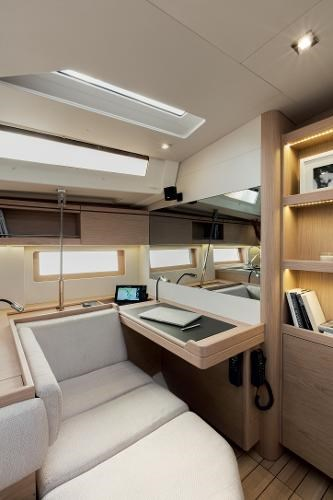 2022 Beneteau Oceanis 51.1 Photo 9 sur 12