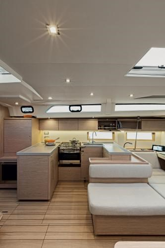 2022 Beneteau Oceanis 51.1 Photo 11 of 12