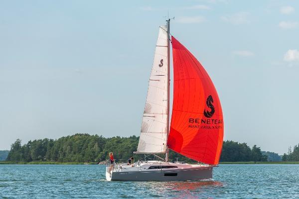 2021 Beneteau Oceanis 30.1 Photo 1 sur 9
