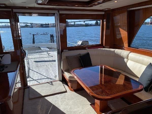 2006 Hampton 740 Yachtfish Skylounge Photo 14 sur 34