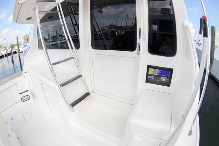 2000 Ocean Yachts Photo 3 sur 70