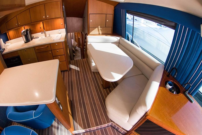 2000 Ocean Yachts Photo 26 sur 70
