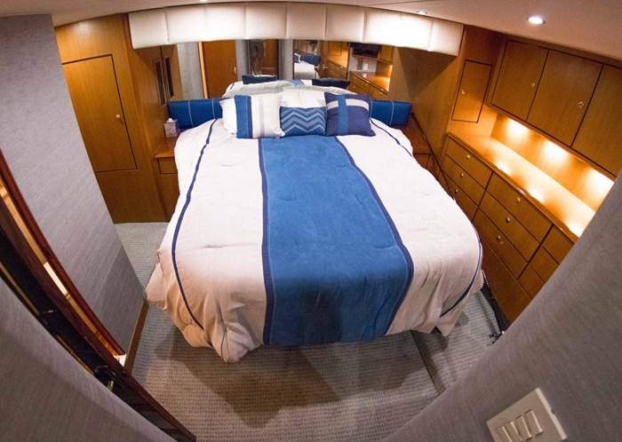 2000 Ocean Yachts Photo 31 sur 70