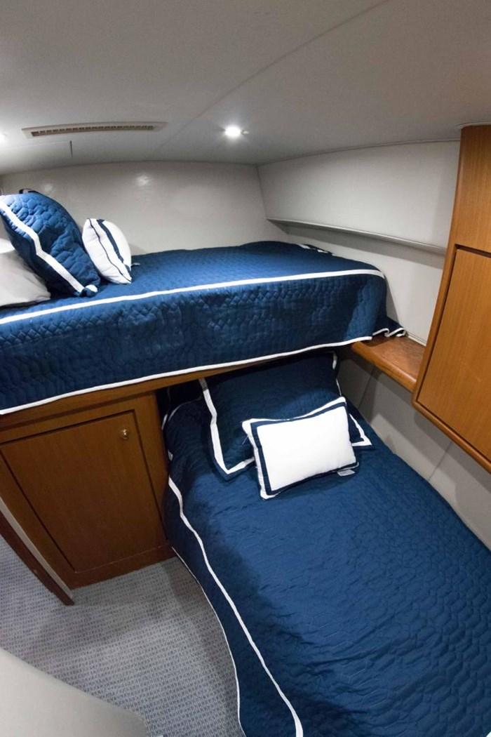 2000 Ocean Yachts Photo 39 sur 70