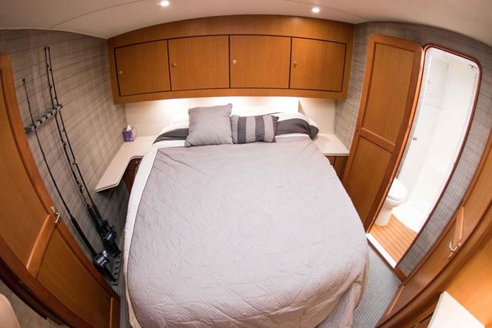 2000 Ocean Yachts Photo 43 sur 70