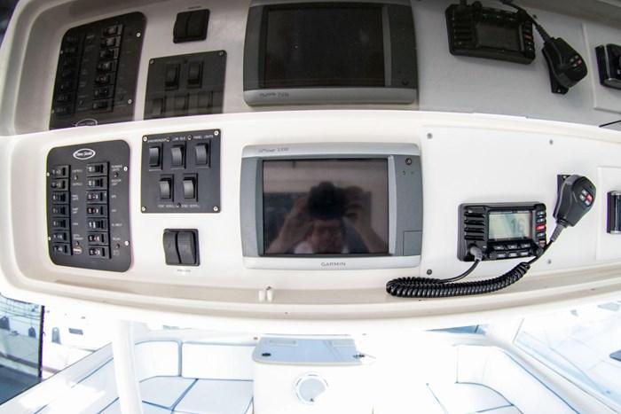 2000 Ocean Yachts Photo 53 sur 70