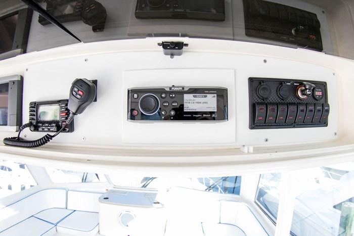 2000 Ocean Yachts Photo 54 sur 70