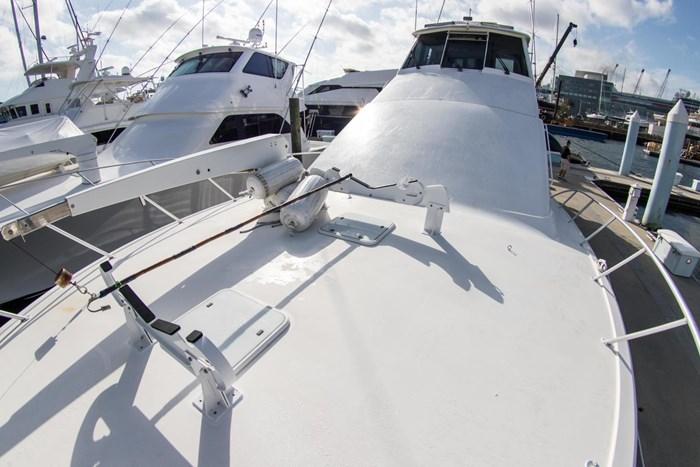 2000 Ocean Yachts Photo 63 sur 70
