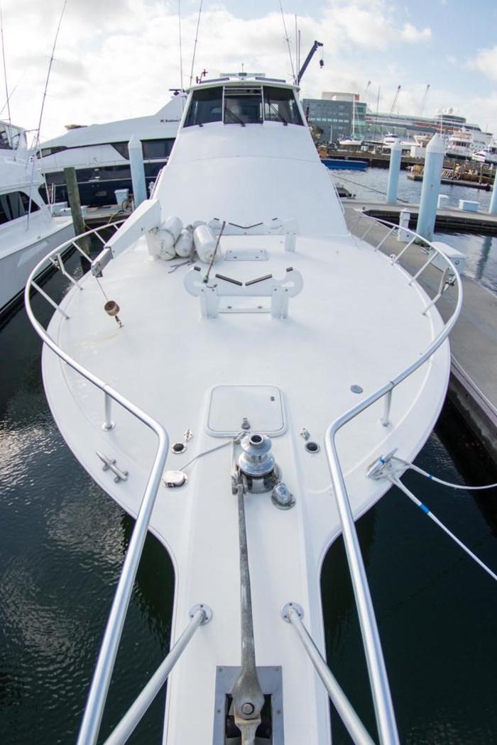 2000 Ocean Yachts Photo 64 sur 70