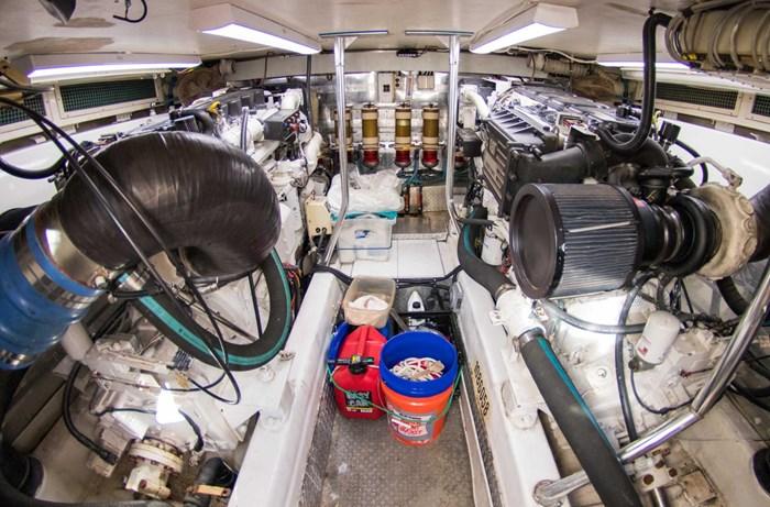 2000 Ocean Yachts Photo 65 sur 70