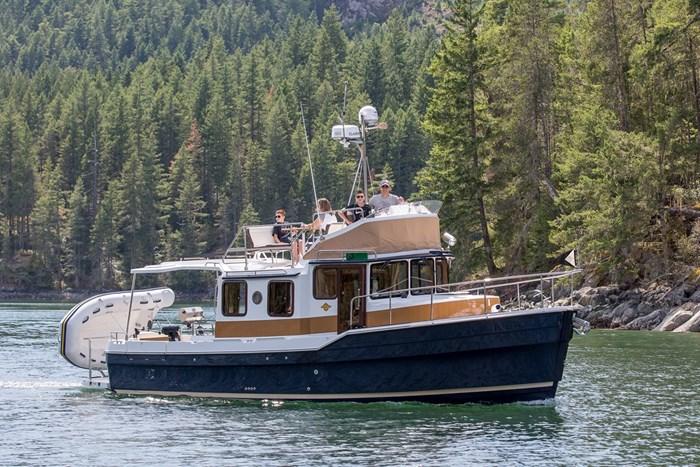 2022 Ranger Tugs R31-CB Photo 2 sur 15