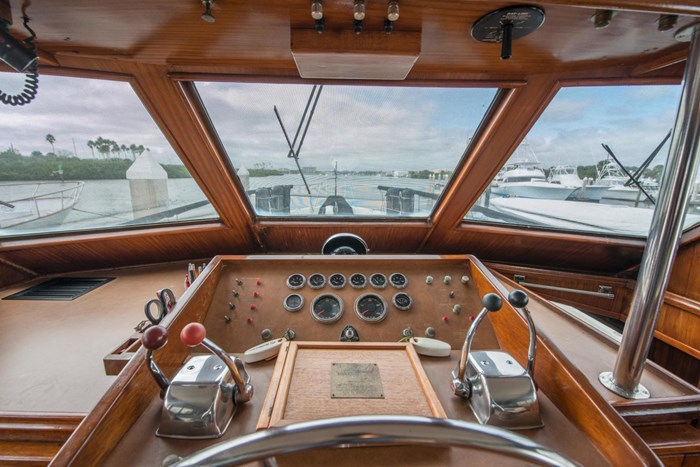 1980 Hatteras Motor Yacht Photo 17 sur 63