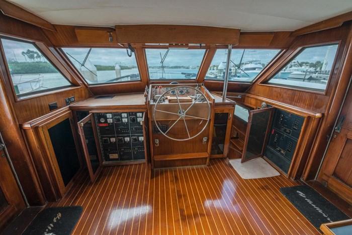 1980 Hatteras Motor Yacht Photo 20 sur 63