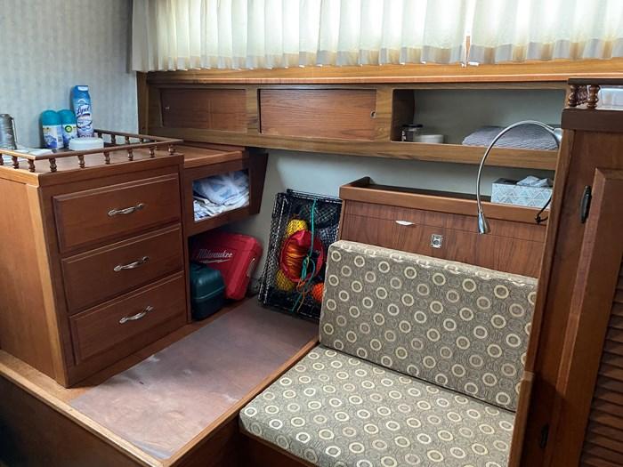 1978 Tollycraft Aft-Cabin Photo 7 sur 12
