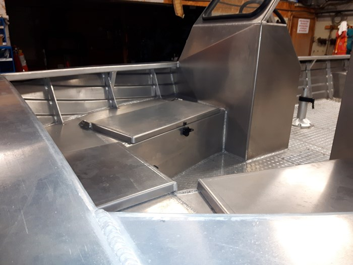 2020 Henley Dual Console Photo 3 of 6