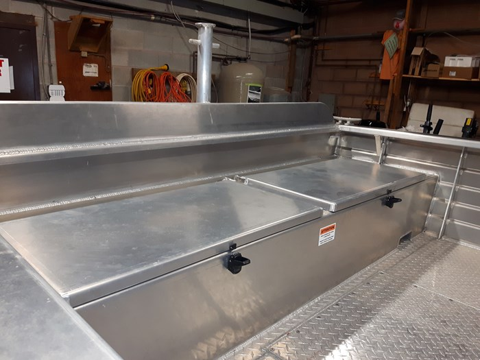 2020 Henley Dual Console Photo 5 of 6