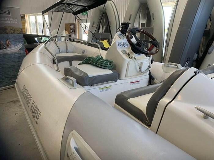 2005 Zodiac Yacht Line 400 Photo 2 of 4