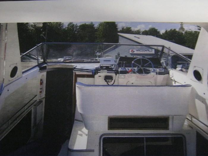 1987 Cruisers Yachts esprit Photo 7 sur 10