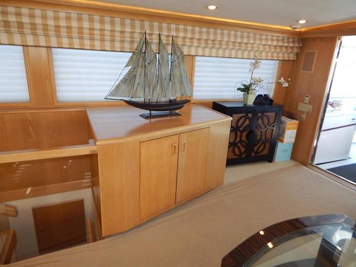 1998 Hatteras Sport Deck Motor Yacht Photo 10 sur 40