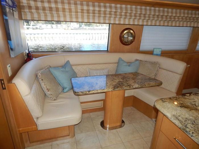 1998 Hatteras Sport Deck Motor Yacht Photo 15 of 40
