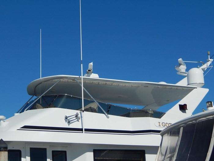 1998 Hatteras Sport Deck Motor Yacht Photo 28 sur 40