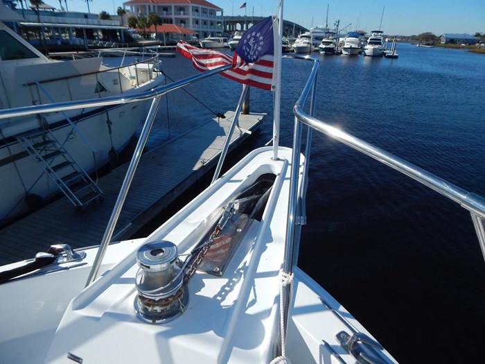 1998 Hatteras Sport Deck Motor Yacht Photo 39 sur 40