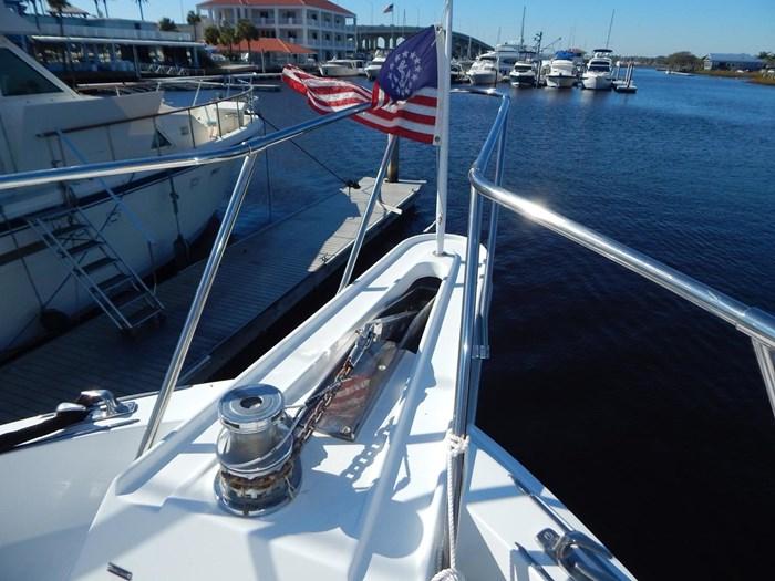 1998 Hatteras Sport Deck Motor Yacht Photo 39 of 40