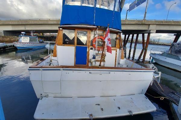 1989 Bayliner 3870 Motoryacht Photo 13 sur 74