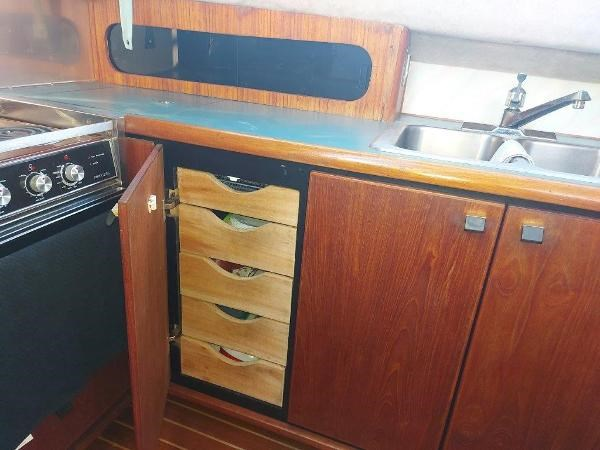 1989 Bayliner 3870 Motoryacht Photo 38 sur 74