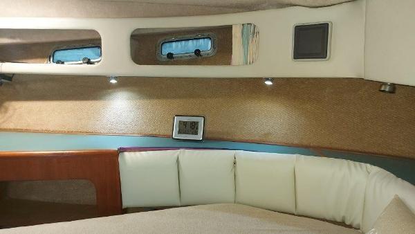 1989 Bayliner 3870 Motoryacht Photo 59 sur 74