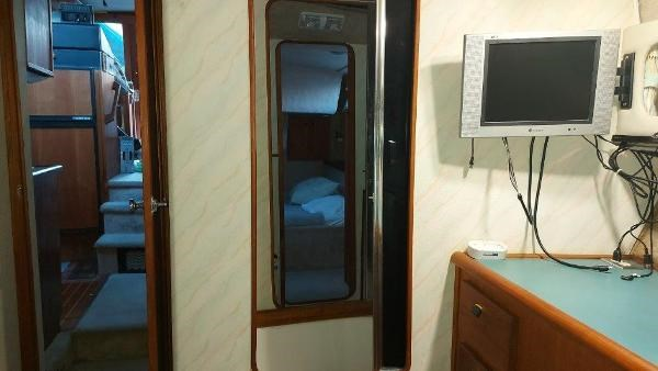 1989 Bayliner 3870 Motoryacht Photo 61 sur 74