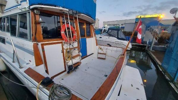 1989 Bayliner 3870 Motoryacht Photo 74 sur 74