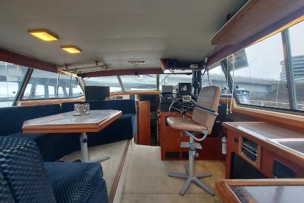 1989 Bayliner 3870 Motoryacht Photo 23 sur 74