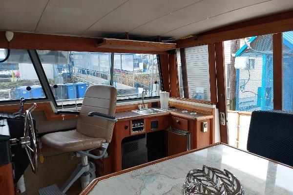 1989 Bayliner 3870 Motoryacht Photo 26 sur 74
