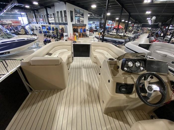 2021 SunCatcher Pontoons by G3 Boats Select 20RC/F60MOTOR/TRAILER Photo 6 sur 9