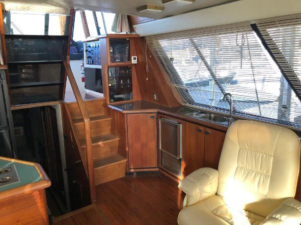 1989 Bayliner 4588 Motoryacht Photo 9 sur 30