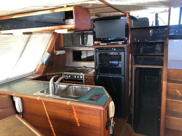 1989 Bayliner 4588 Motoryacht Photo 10 sur 30