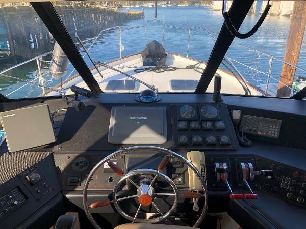 1989 Bayliner 4588 Motoryacht Photo 12 sur 30