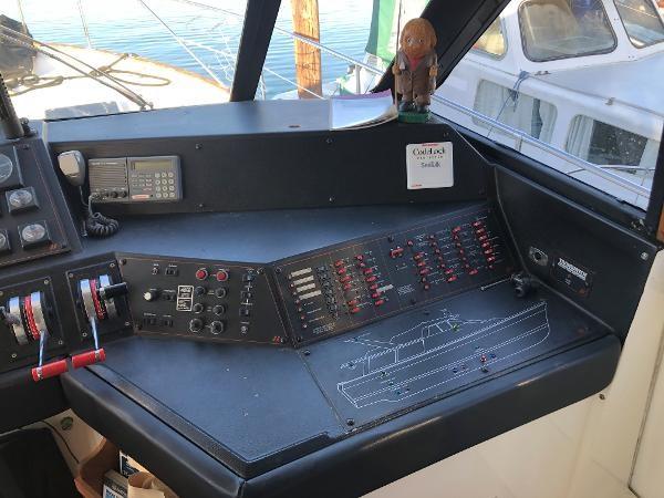 1989 Bayliner 4588 Motoryacht Photo 13 sur 30