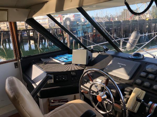 1989 Bayliner 4588 Motoryacht Photo 14 sur 30