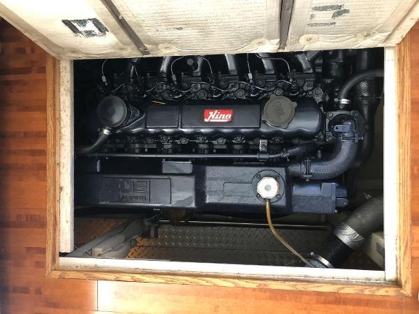 1989 Bayliner 4588 Motoryacht Photo 27 sur 30