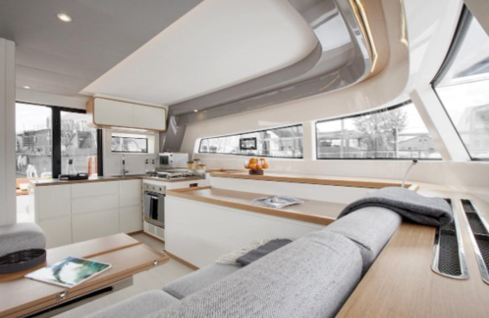 2021 Beneteau Excess Photo 7 of 9