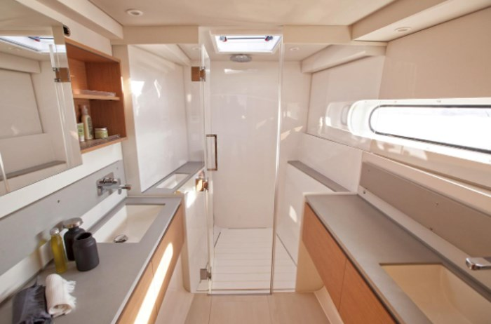 2021 Beneteau Excess Photo 9 of 9