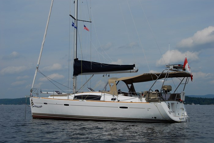 2010 Beneteau Oceanis Photo 16 of 33