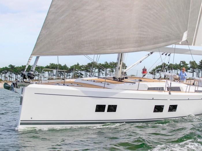 2022 Hanse Yachts 548 Photo 7 of 36