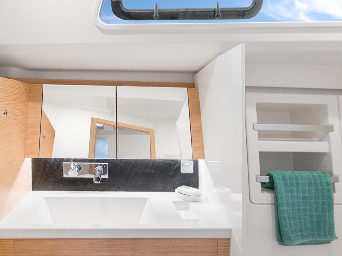 2021 Hanse Yachts 418 Photo 35 sur 39