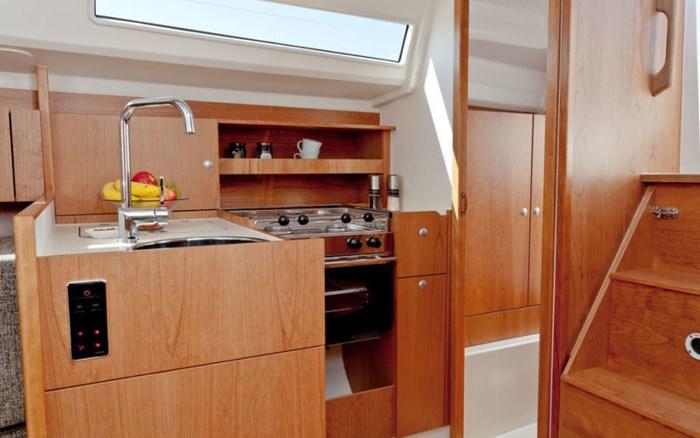 2021 Hanse Yachts 315 Photo 14 sur 21