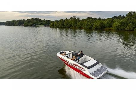 2021 Bayliner VR5 Photo 6 sur 21