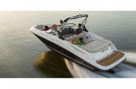 2021 Bayliner VR5 Photo 18 sur 21